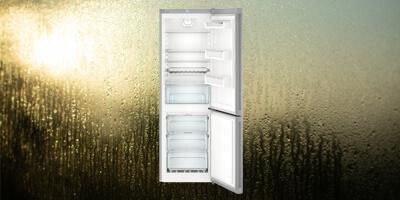 víz a hűtő hátsó falán